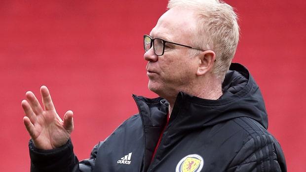 Alex-McLeish-Scotland-Nations-League-football-min