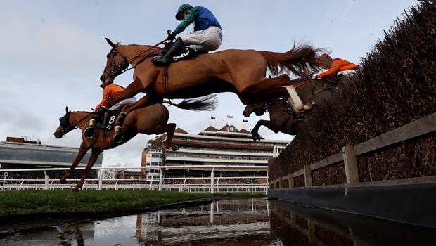 Ballydine-Horse-Racing-min