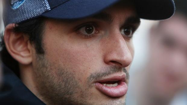 Carlos-Sainz-F1-McLaren-driver-min