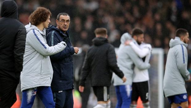 David-Luiz-and-Maurizio-Sarri-Chelsea-min