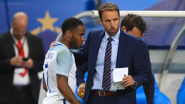 Gareth-Southgate-and-Raheem-Sterling-Euro-2020-min