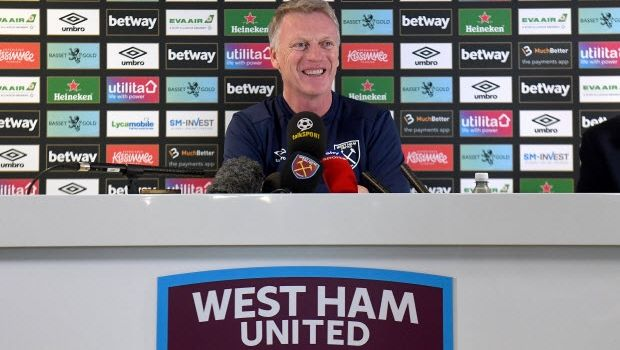 Moyes returns for salvage mission