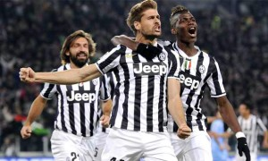 Juventus striker Fernando Llorente and team
