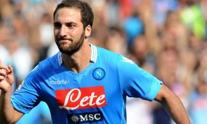 Gonzalo Higuain Napoli striker Injury news