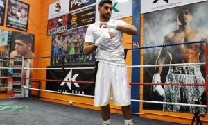 Amir Khan calls out Floyd Mayweather