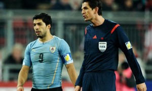 Luis Suarez Uruguay Knee Injury