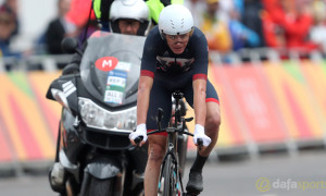 Chris-Froome-cycling