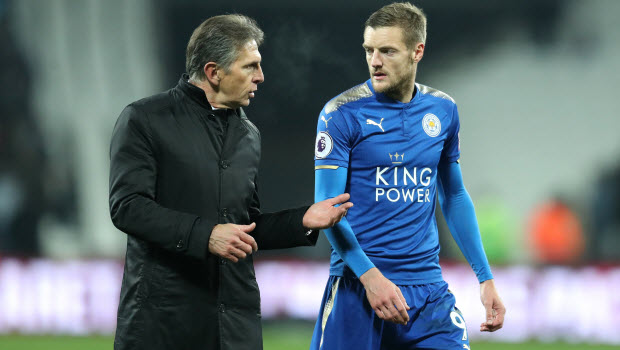 Leicester City manager Claude Puel (left) speaks to Jamie Vardy