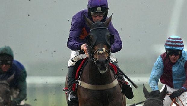 Horse-Racing-Gas-Line-Boy