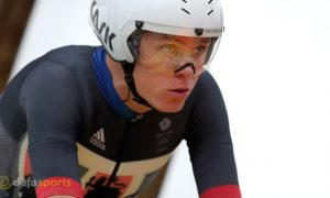 Chris-Froome-Cycling-min