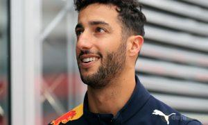Daniel-Ricciardo-Formula-1-Monaco-champion-min