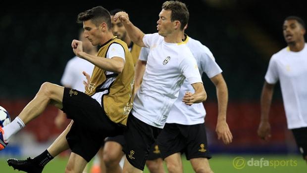 Juventus-full-back-Stephan-Lichtsteiner-Serie-A-min
