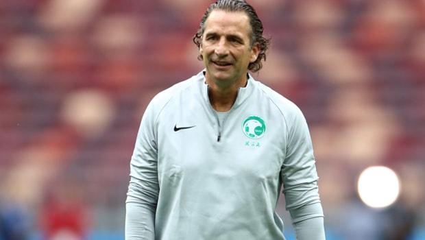Saudi-Arabia-coach-Juan-Antonio-Pizzi-min