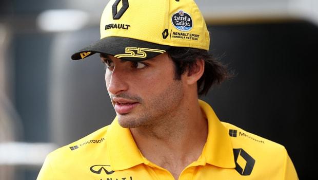 Carlos-Sainz-F1-Renault-Hungarian-Grand-Prix-min