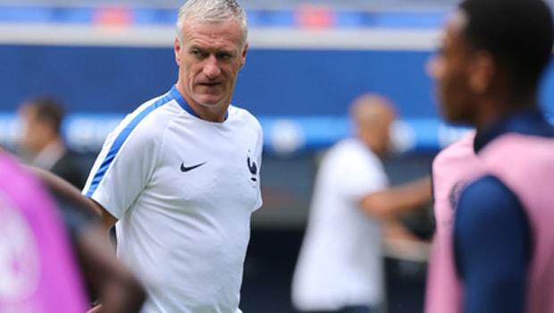 Didier-Deschamps-France-World-Cup-2018-min