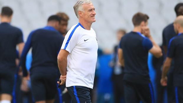 Didier Deschamps France World Cup-min