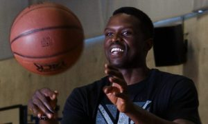 Luol-Deng-Basketball-LA-Lakers-min