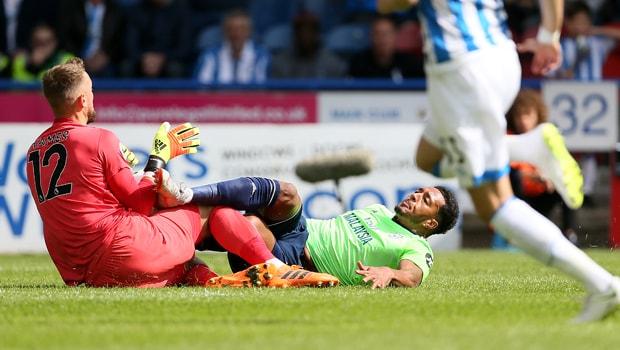 Nathaniel-Mendez-Laing-Cardiff-City-injury-min