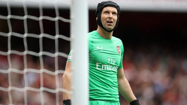 Petr-Cech-Arsenal-goalkeeper-min