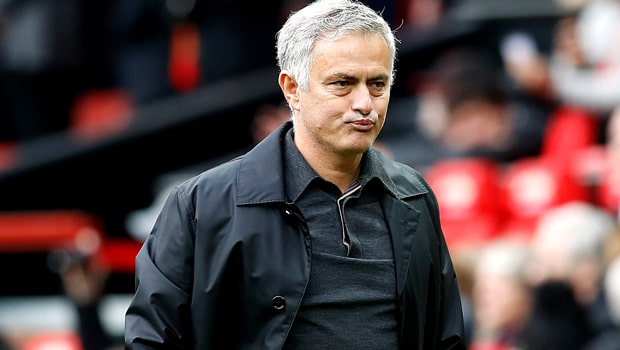 Jose-Mourinho-Manchester-United-League-Cup-min