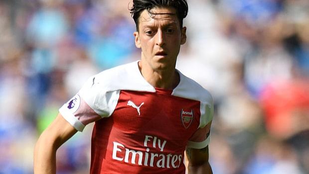 Mesut-Ozil-Arsenal-min