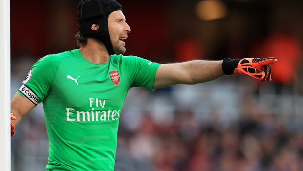 Petr-Cech-Arsenal-Goalkeeper-min