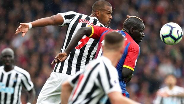 Salomon-Rondon-Newcastle-United-min