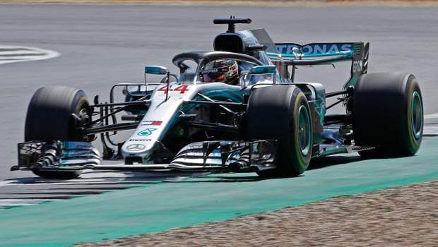 Lewis-Hamilton-Formula-1-min
