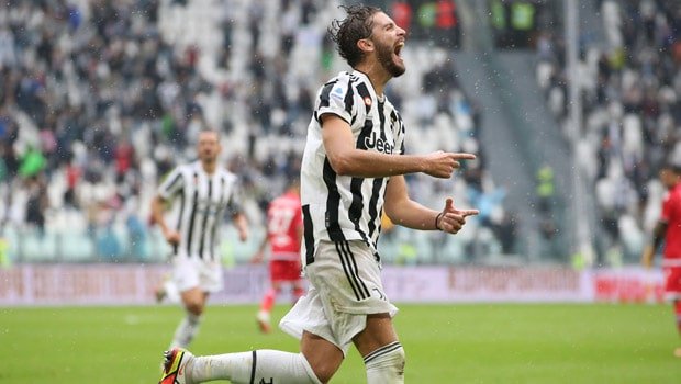 Locatelli scores as Juventus beat Sampdoria